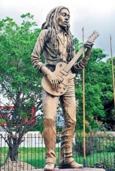 Marley-StatueFADE-Optimized